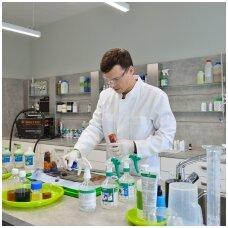 Dezinfekciniai skysčiai gali sutrikdyti sveikatą: chemikas pataria, kokių medžiagų vengti